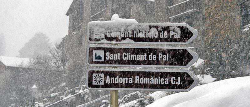 Especialistes Treta de neu a Pal La Massana, netegem camins privats, accessos a pàrquings de comunitats, zones privades de Privats, Restaurants i Hotels retirada de nieve en Andorra.