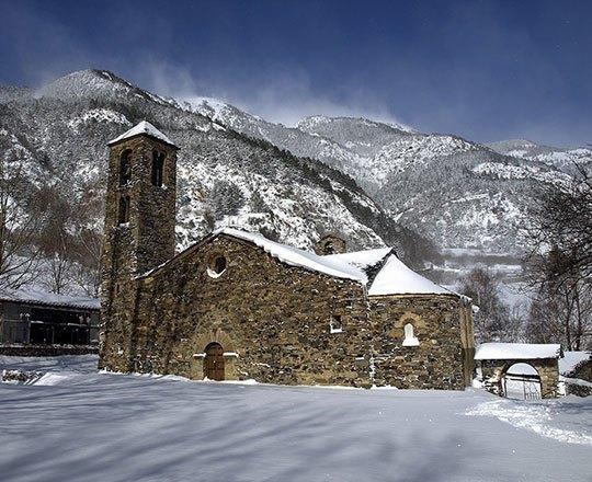 Especialistes Treta de neu a La Cortinada, netegem camins privats, accessos a pàrquings de comunitats, zones privades de Privats, Restaurants i Hotels retirada de nieve en Andorra.