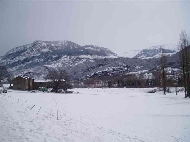 Especialistes Treta de neu a Arinsal, netegem camins privats, accessos a pàrquings de comunitats, zones privades de Privats, Restaurants i Hotels retirada de nieve en Andorra.